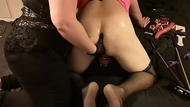 Mistress Awesome stretching Sissy Subby Hubby's ass