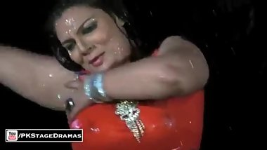 Pakistani Girl Hot Dance Mujra Masti Live 2020
