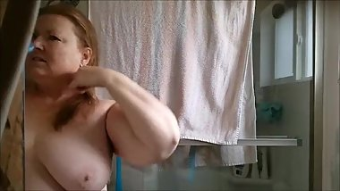 Ugly wife bath time 3-5-2018
