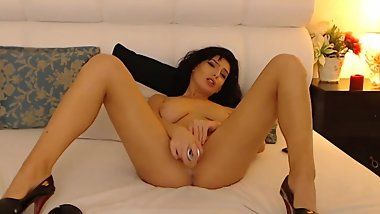 Nice Dutch American Plays with Pussy In an Unforgetable Hot Show High Defin
