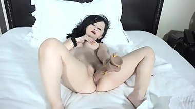 Tiny Texie masterbateing with a dildo