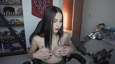 I love how hard you get when you see my tits