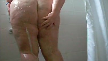 showing my arse in the shower
