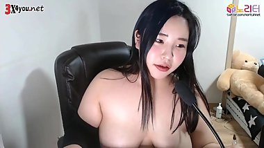 KOREAN BJ CHUBBY GIRL LIVESTREAM WITH CUTE FACE AND BIG TIT ! SHOWCAM