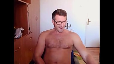 Very Handsome DILF's Cam
