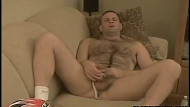 Hot furry jock dad showing off.