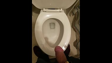 A hands free pee at home