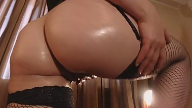 Oiled up ass joi