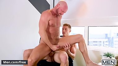 Mencom - Hunks shower and fuck - Justin Matthews, Killian Knox